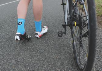 chaussettes ASSOS cycling dans la box pédaleur